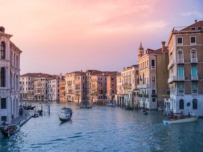 Bonus vacanze, arriva la conferma: 500 euro per le ferie in Italia