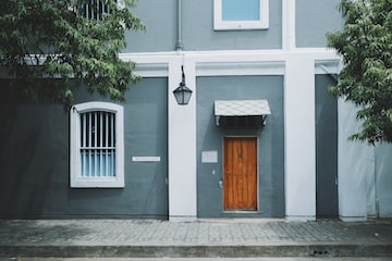 What is an HMO and what finance solutions are available?