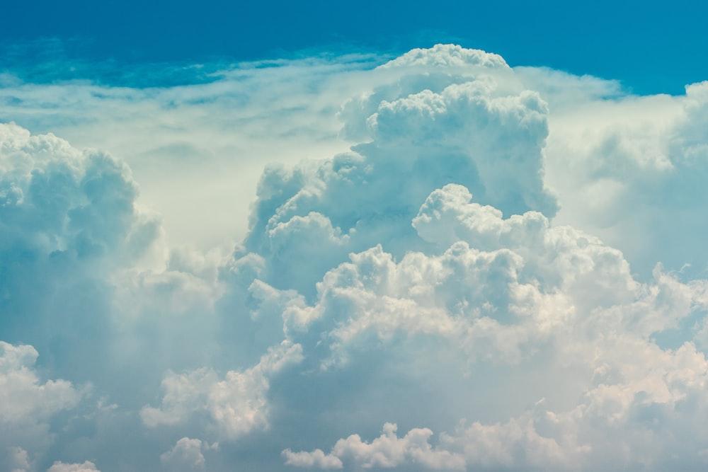 closeup photo of clouds