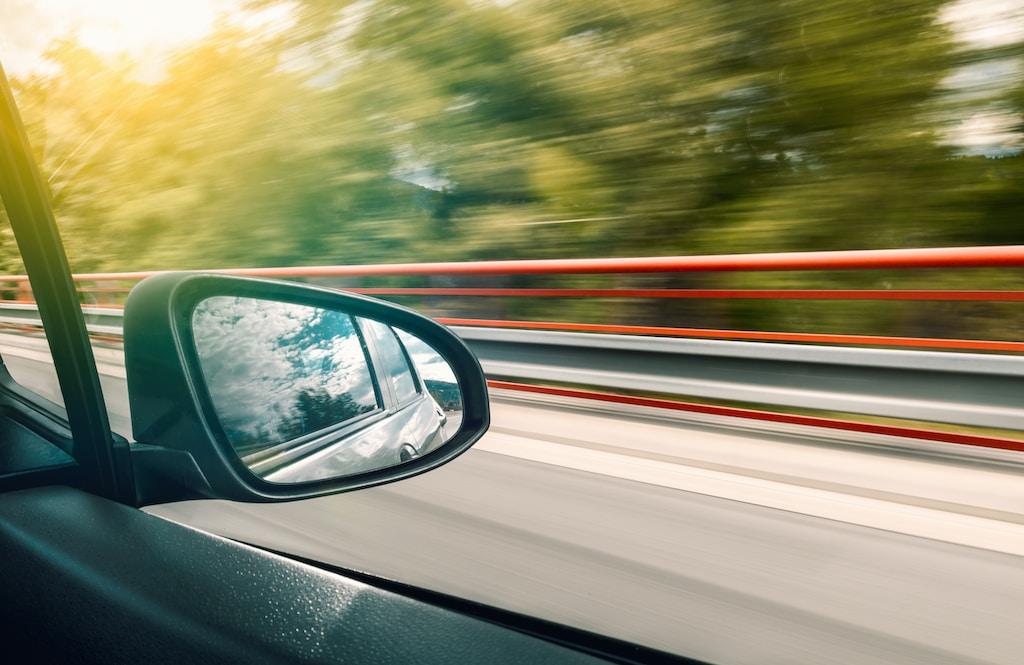 black vehicle wing mirror