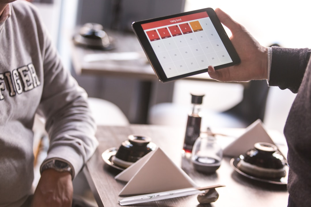 /restaurant-table-side-tech-how-onedine-solving-chargeback-issue-for-restaurants-h14j364p feature image