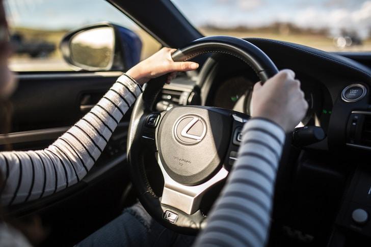 HYBRID BONUS è il nome della promozione Lexus per le auto ibride della sua flotta