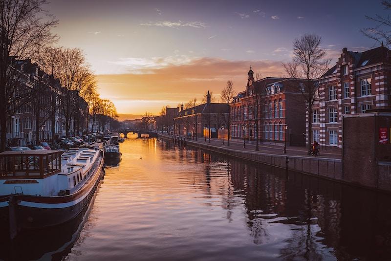 Amsterdam-card-img