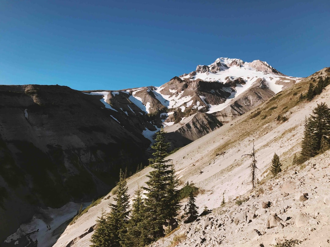 A beautiful hike from Timberline Lodge to a beautiful canyon in the Mt Hood wilderness.
