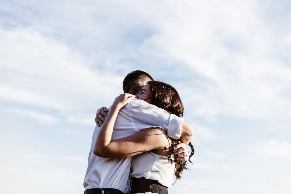 20 Hug Images