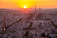 aerial photo of Eiffel tower during goldentime