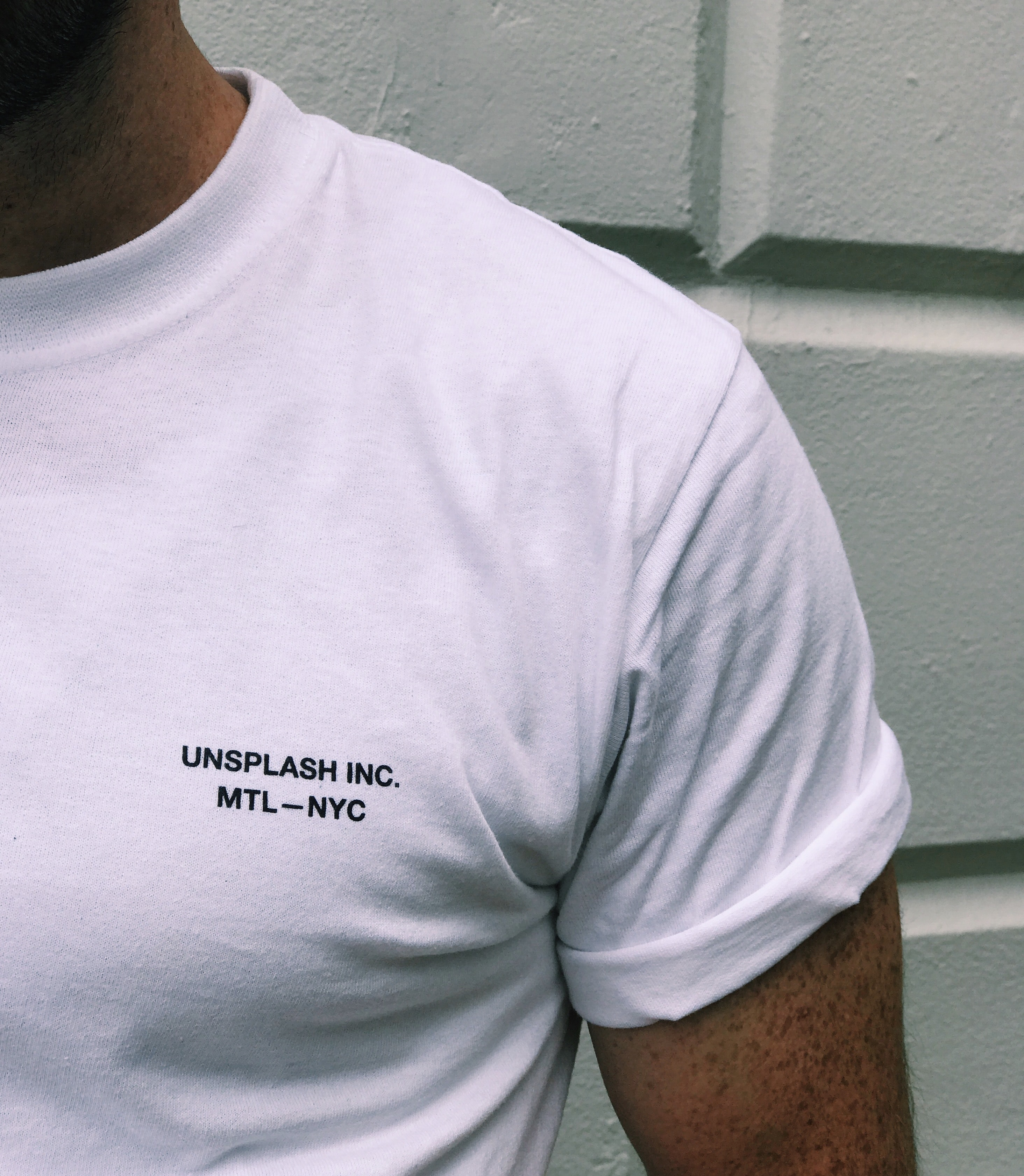 white Unsplash crew-neck short-sleeved shirt