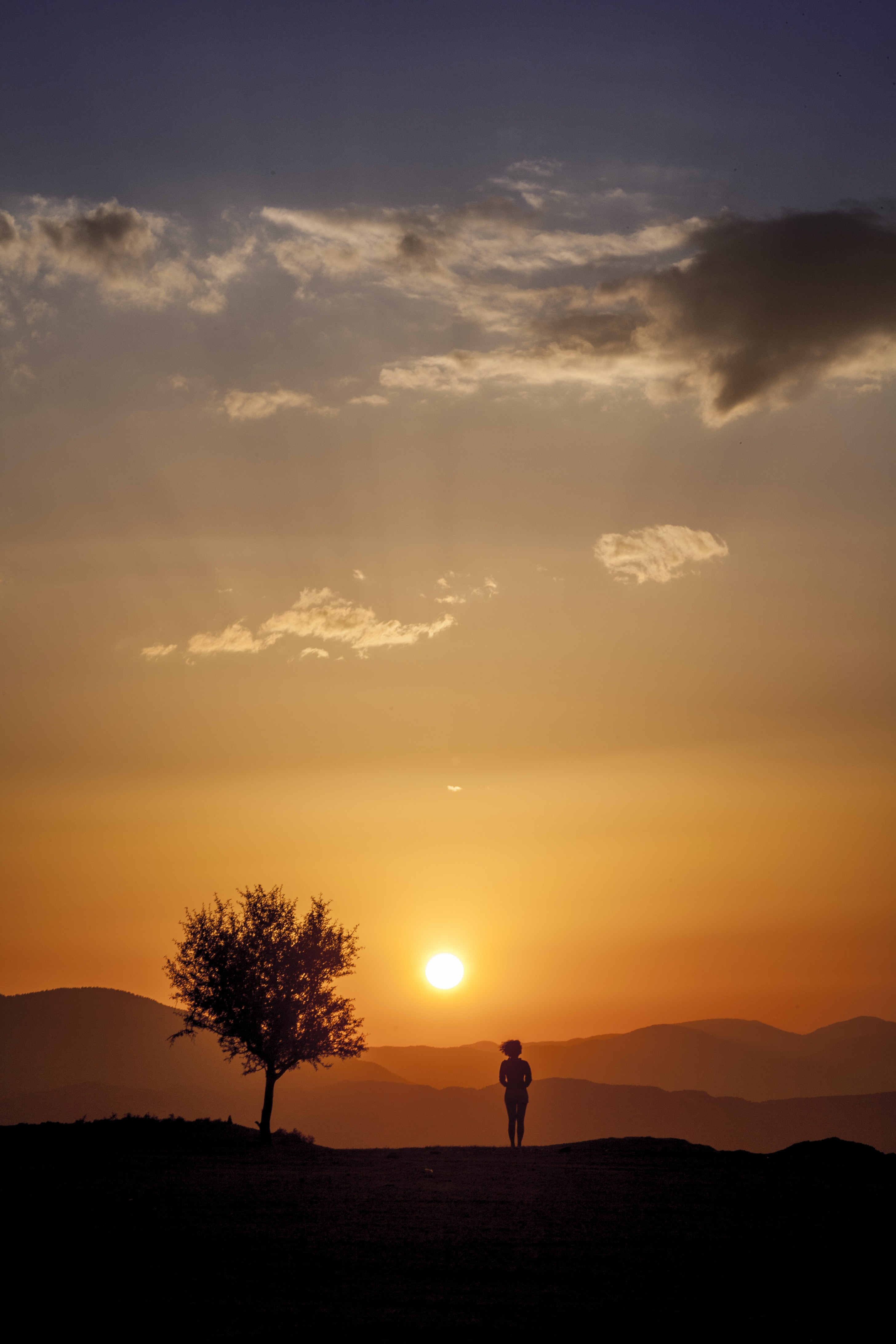 silhoutte of person in sunset