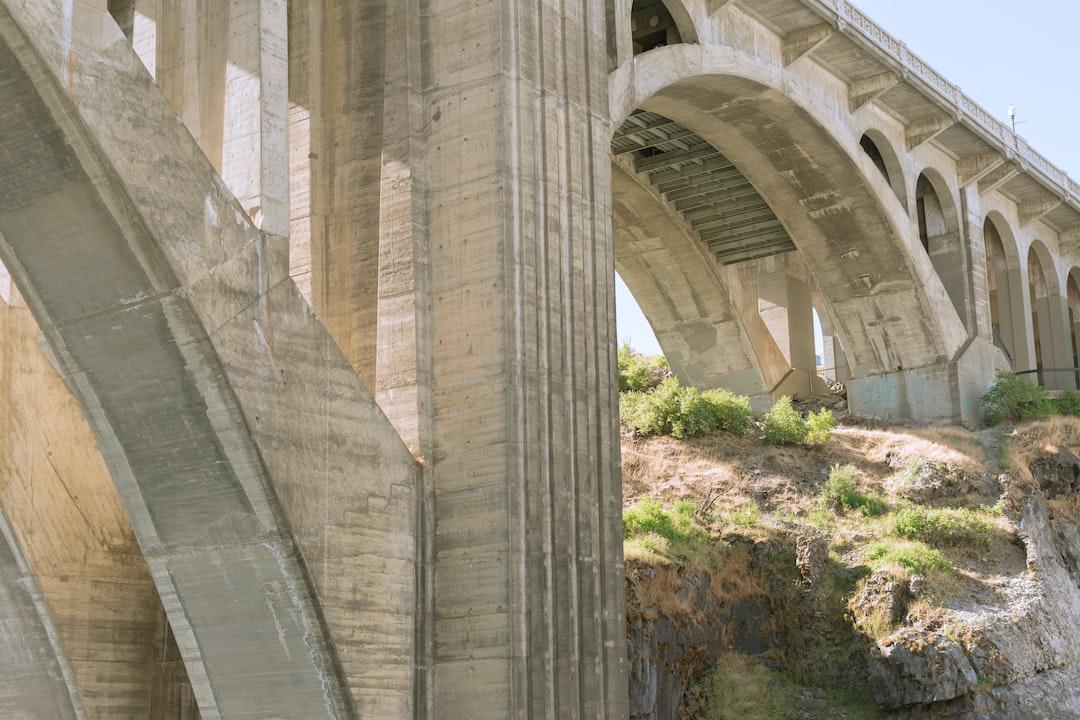 The Monroe Street bridge in Spokane, WA on a very hot summer day.