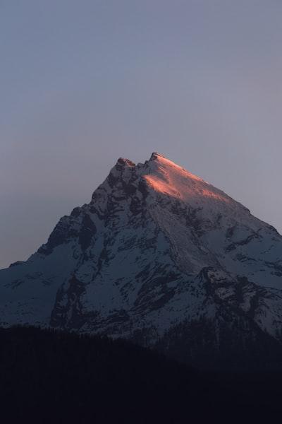 A beautiful mornings first sunrays touching one of the Watzmann's summits.