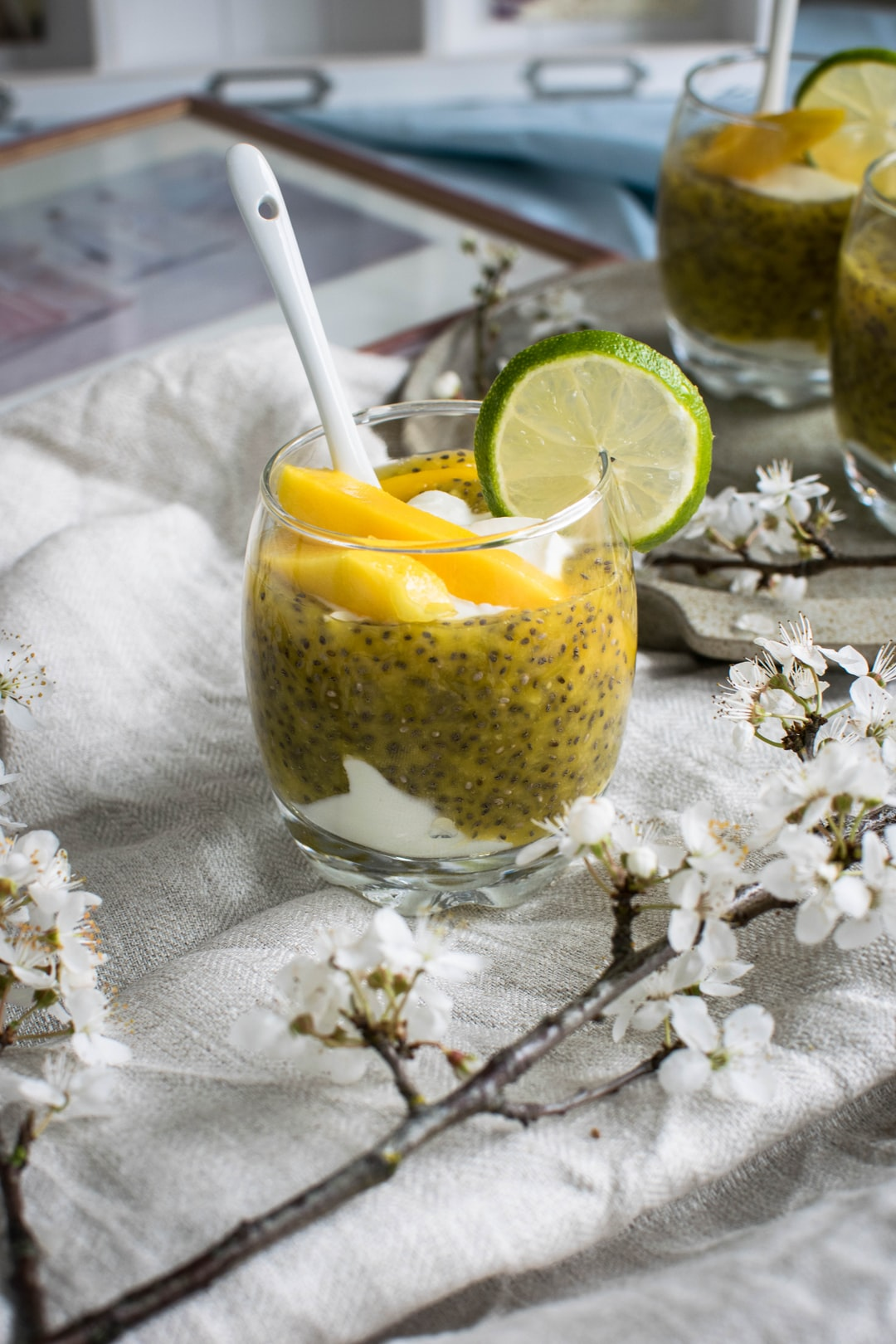 Chia mousse with mango