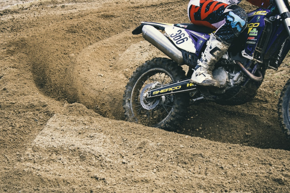 Dirt Bike Wallpapers Free Hd Download 500 Hq Unsplash
