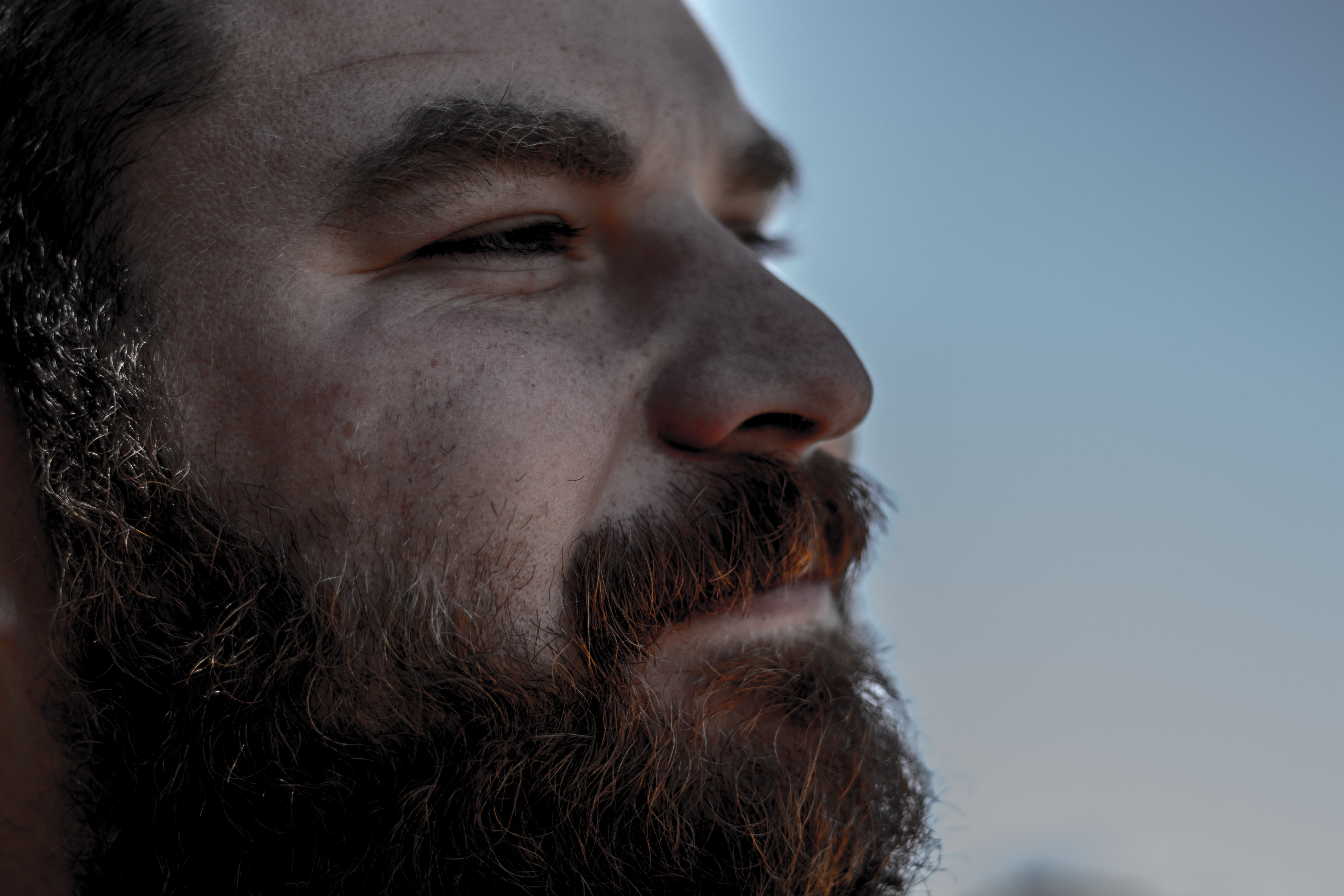 closeup photo of bearded man