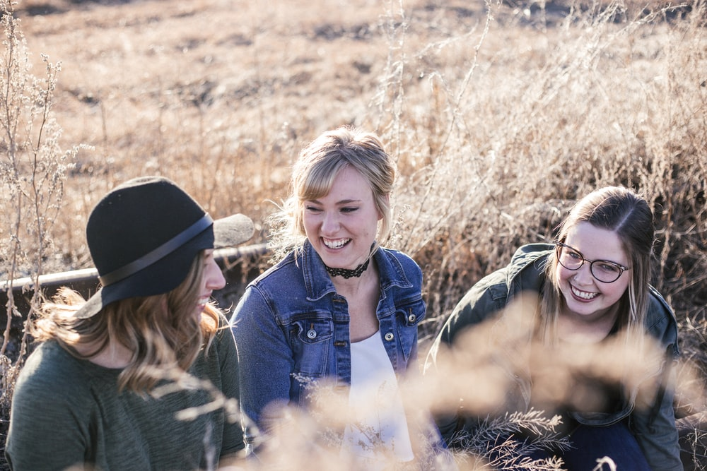 three women taking groupie