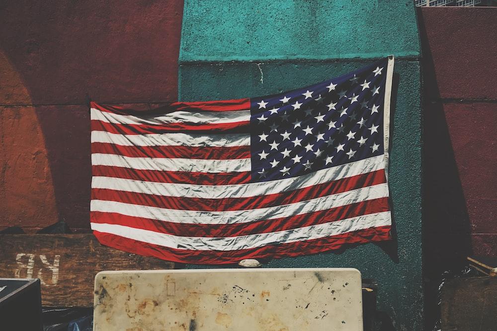 グリーンボード上の米国のアメリカの旗