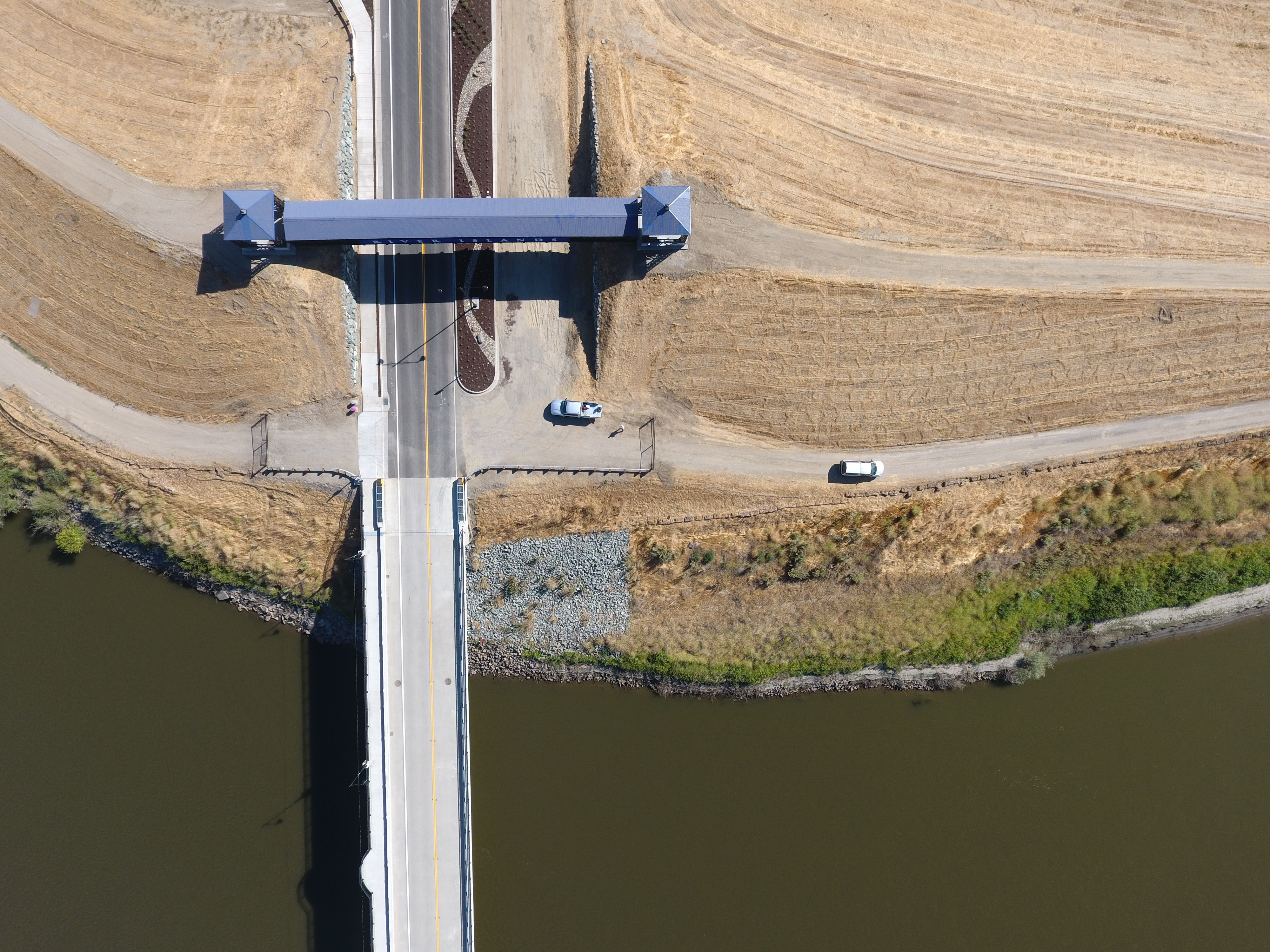 bird's-eye view photography of concrete bridge