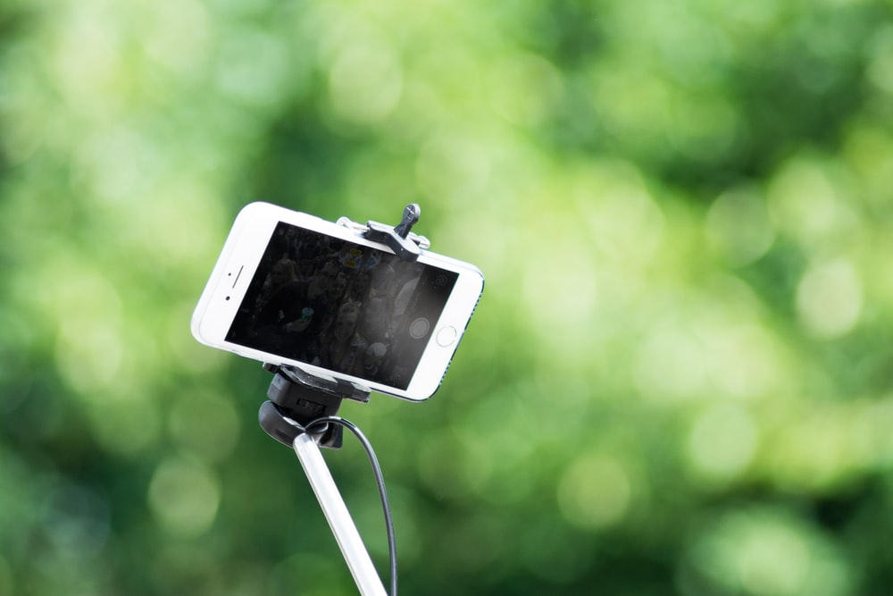 World Best Selfie Stick For Instant Pictures