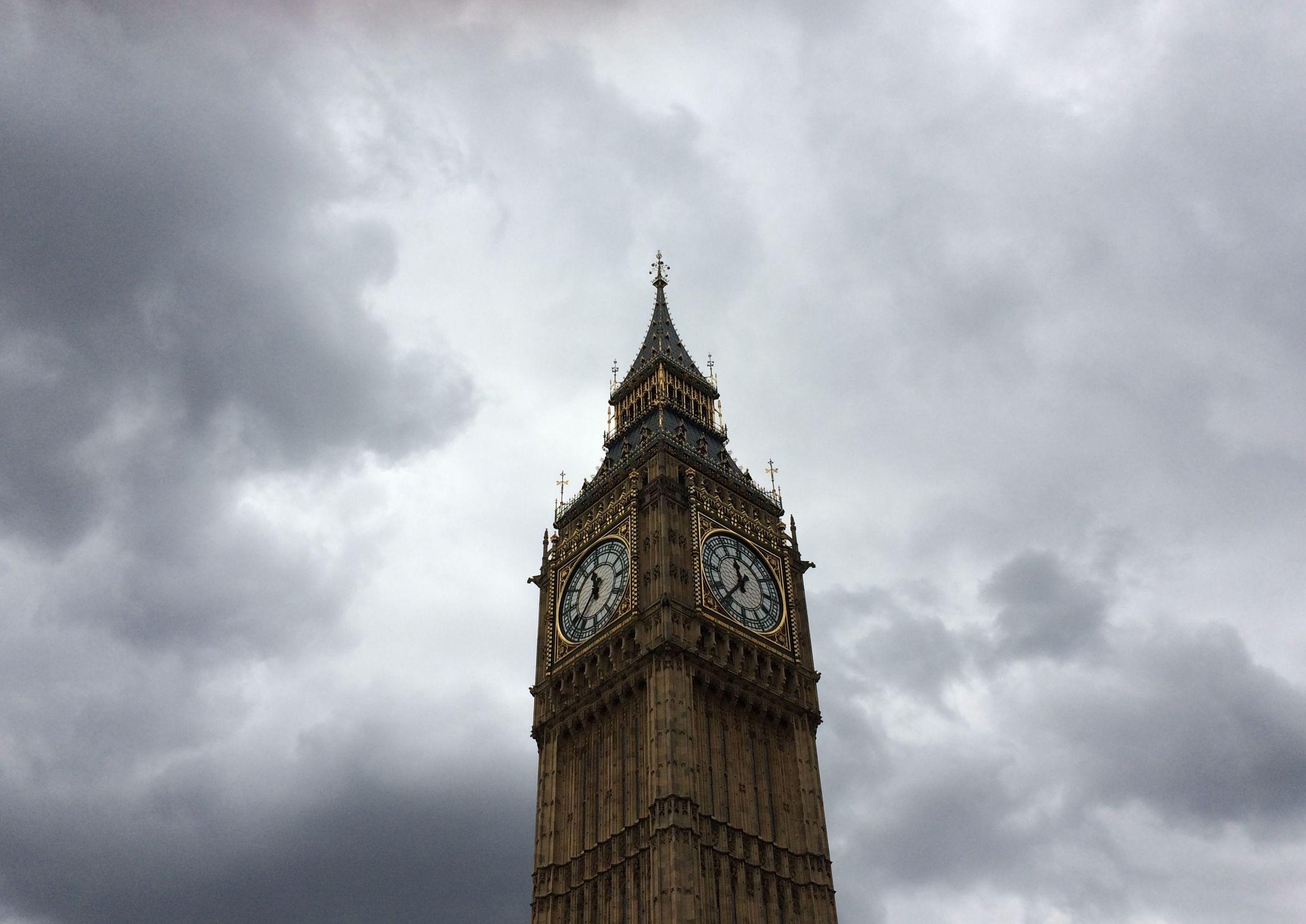 Elizabeth Tower under white clouds