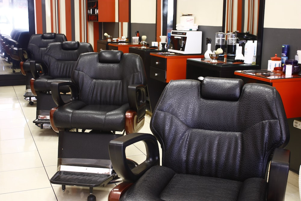 Amazing Leather Chairs Mens Grooming Haircut And Barber Hd Photo Ibusinesslaw Wood Chair Design Ideas Ibusinesslaworg