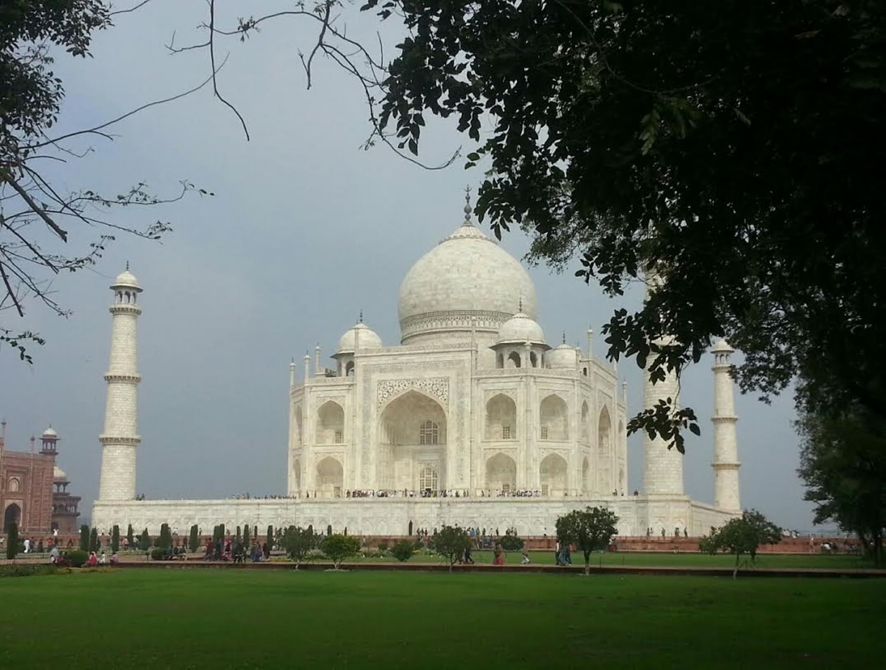 What time to visit taj mahal