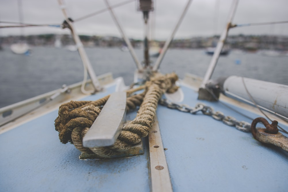 shallow focus photo of rope