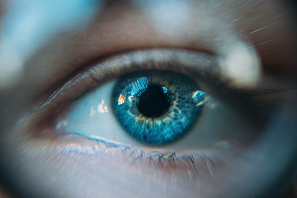 blue eye photo