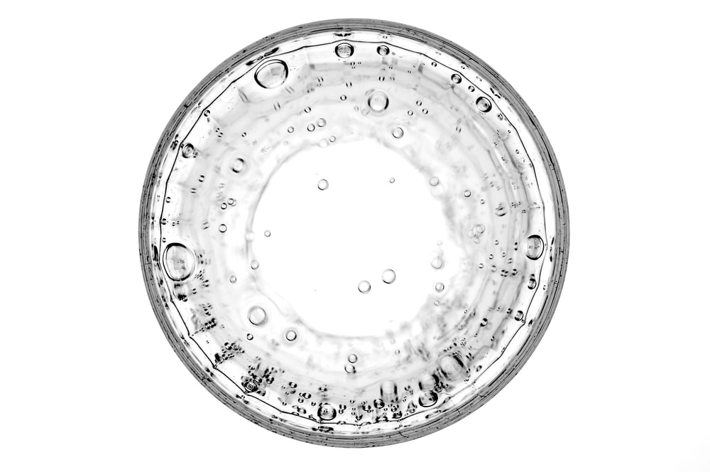 closeup photography of water bubble