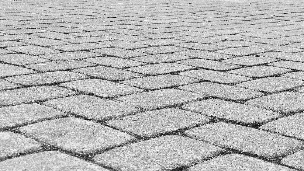 gray concrete flooring