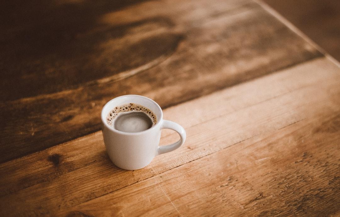 Üçü bir arada kahve içmek