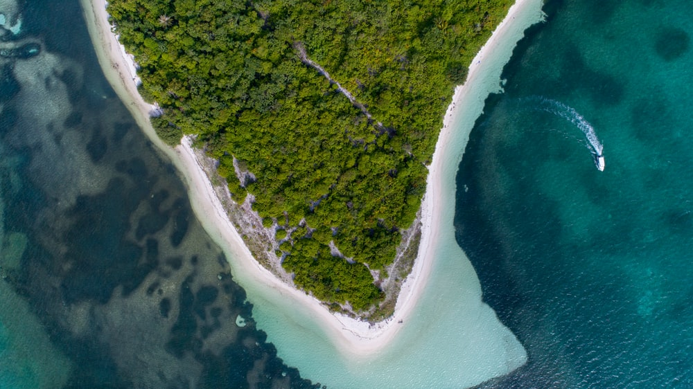 aerial view photography of island during daytime