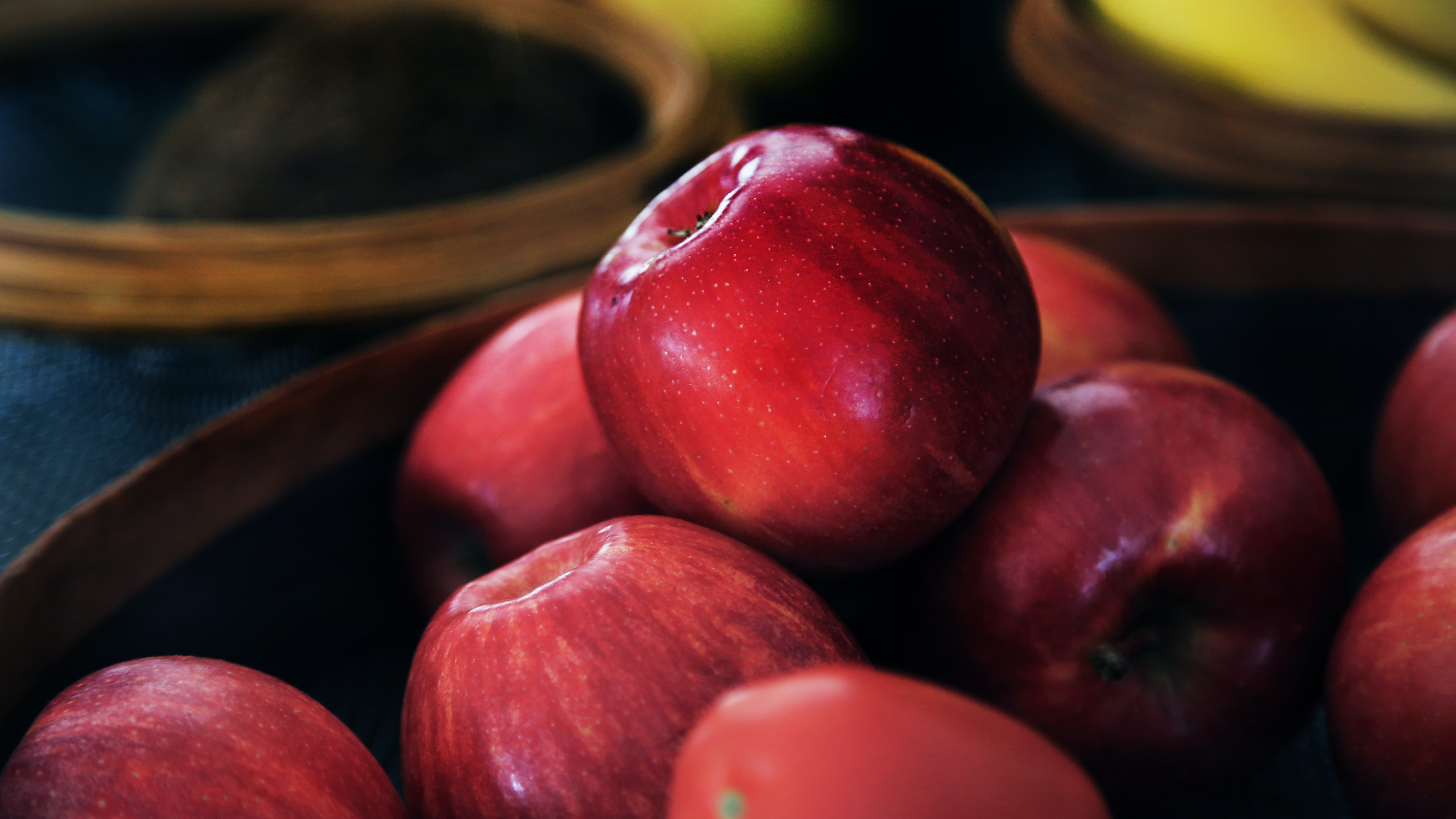 A bowl of fresh red apples