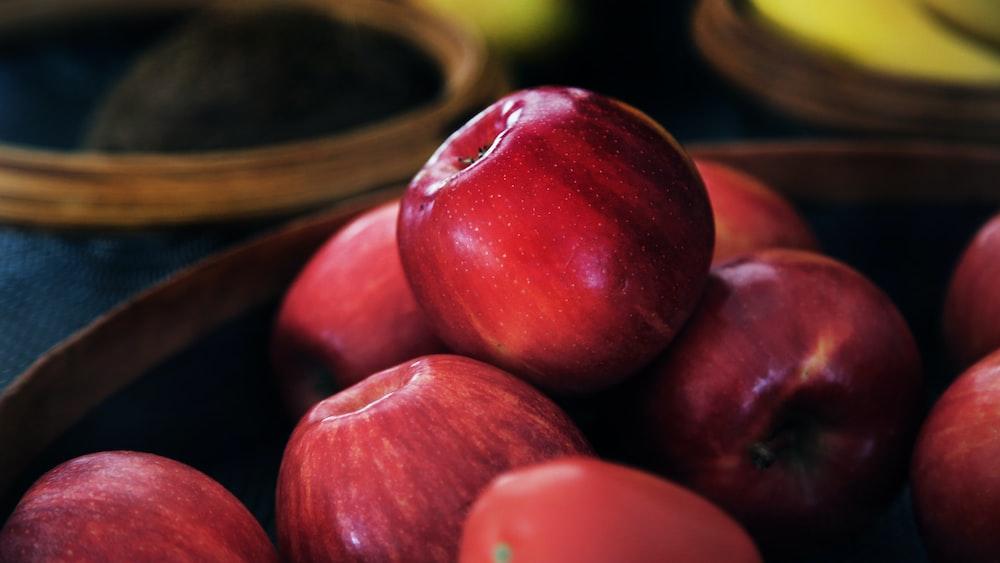 red apple fruit lot