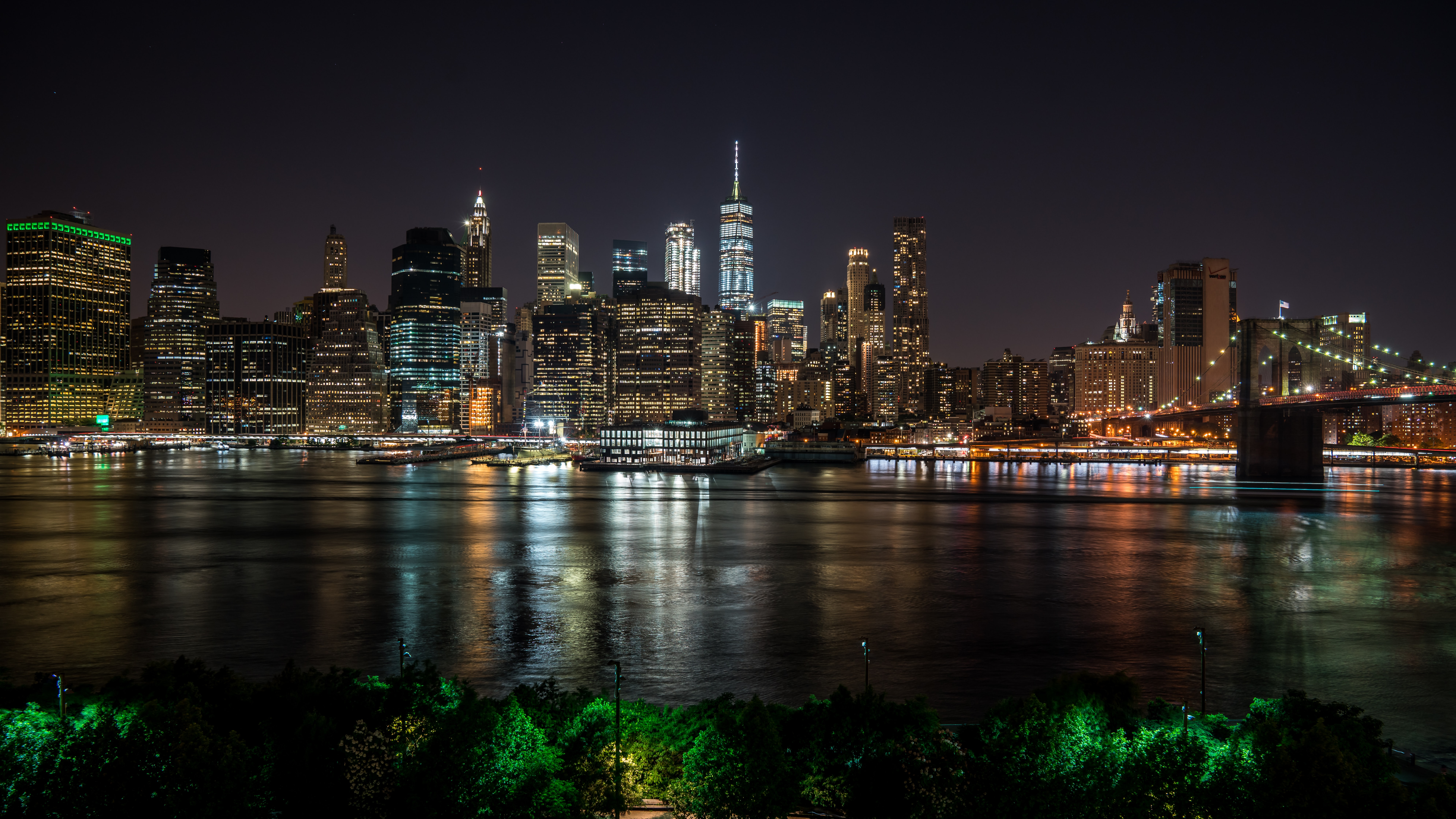 panoramic photography of city buildings at night