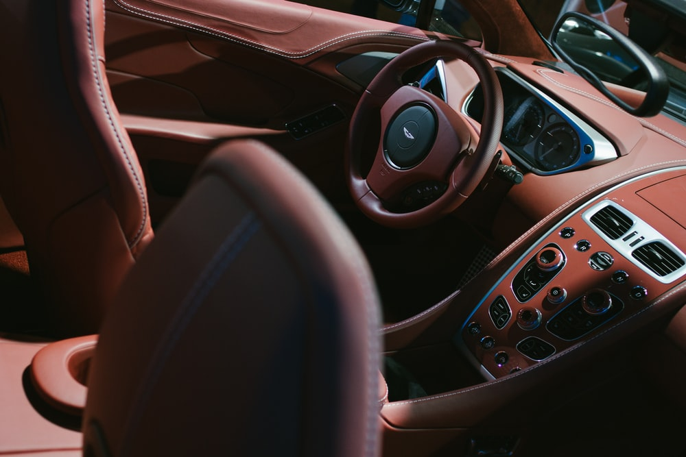 brown vehicle steering wheel