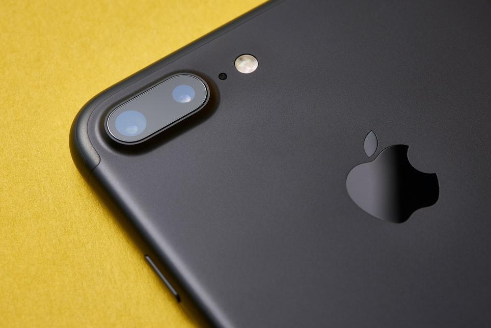 black iPhone 7 Plus