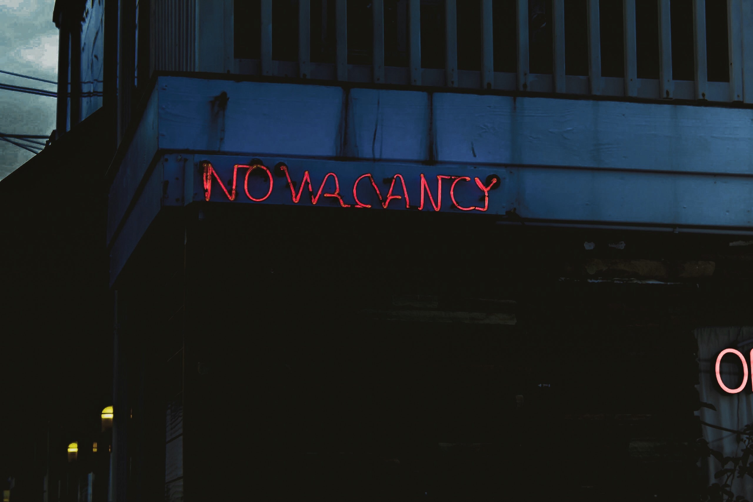 No vacancy neon sign on the old motel at Carolina Beach