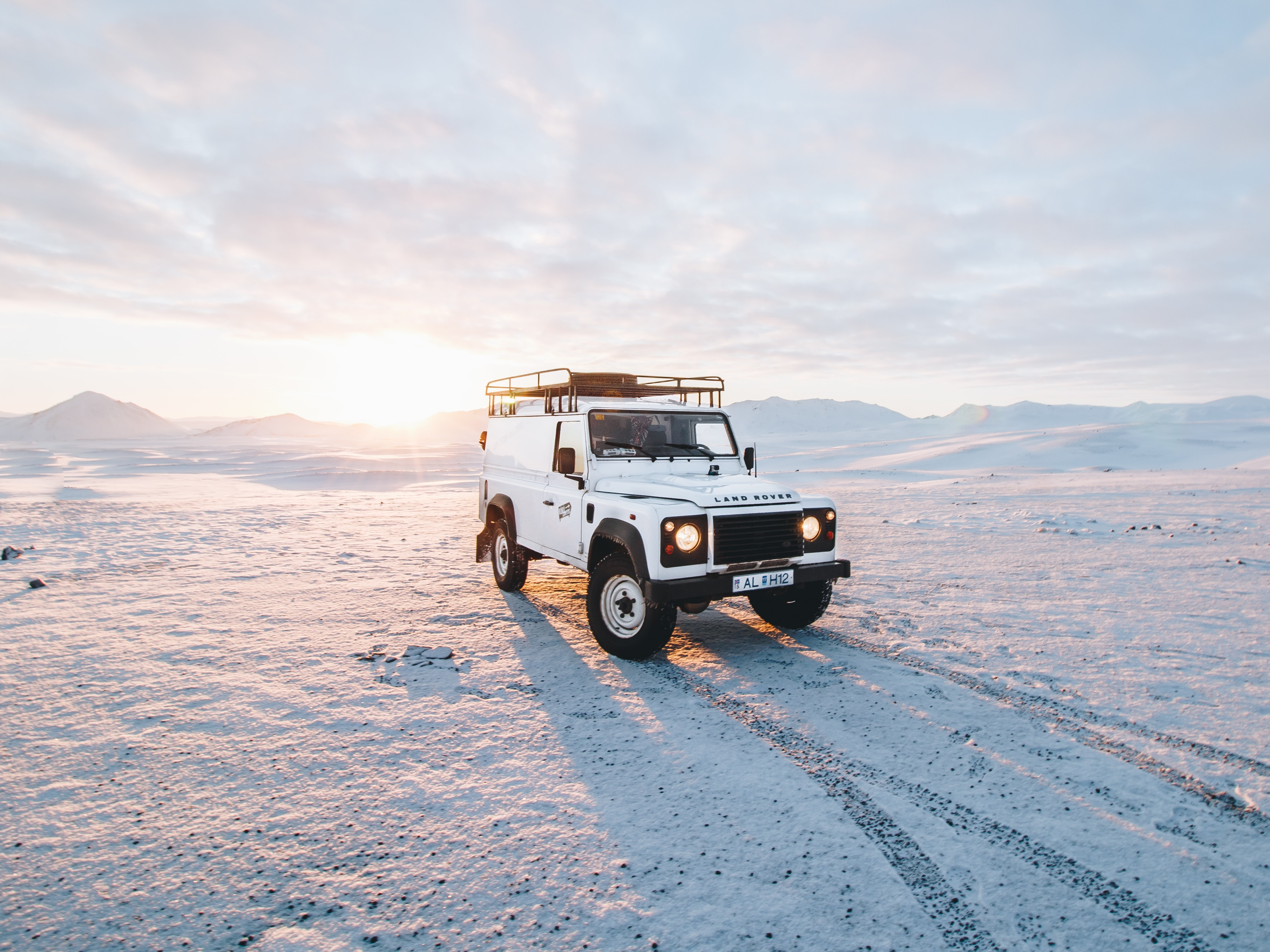 white Land Rover