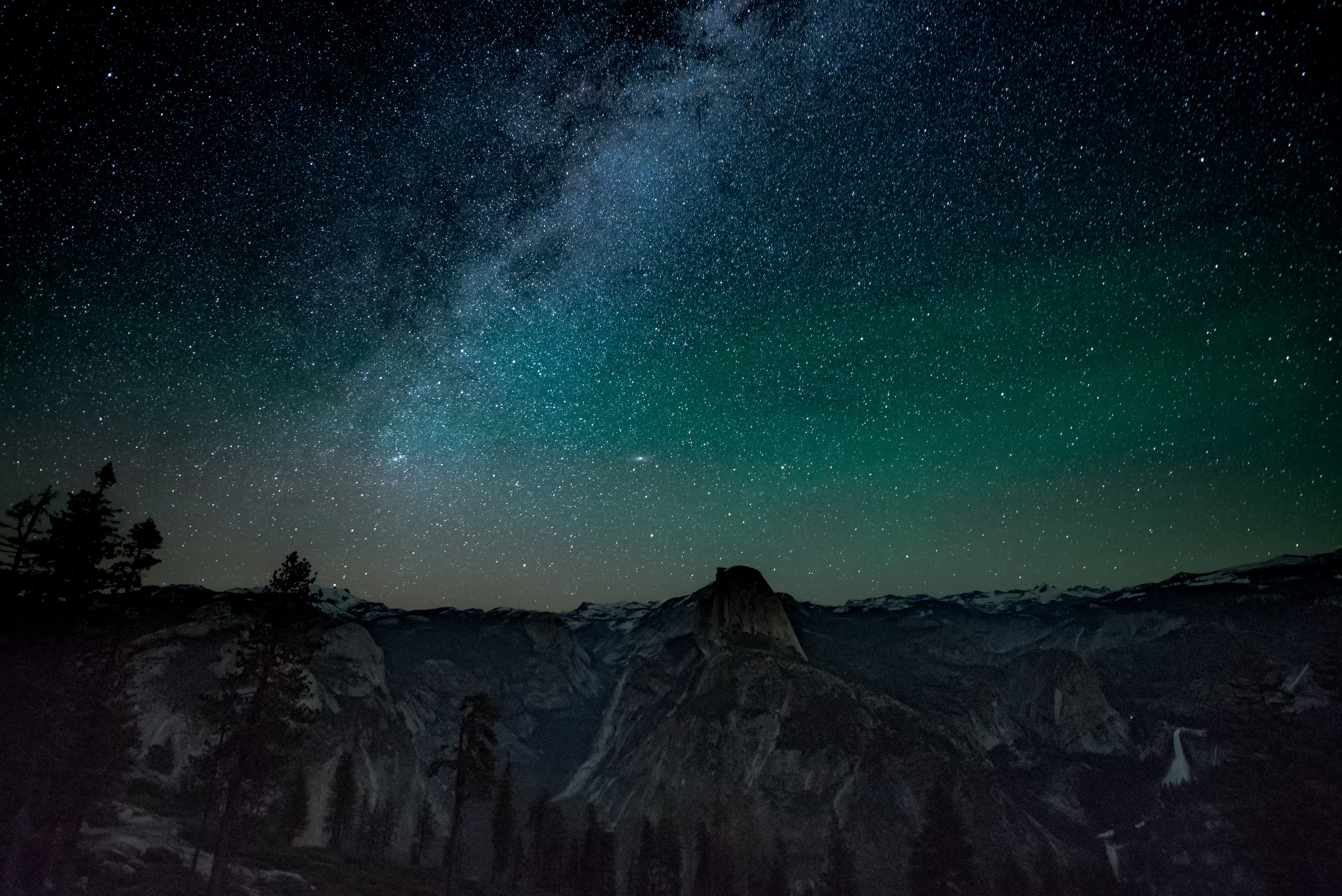 milky way on top of mountains