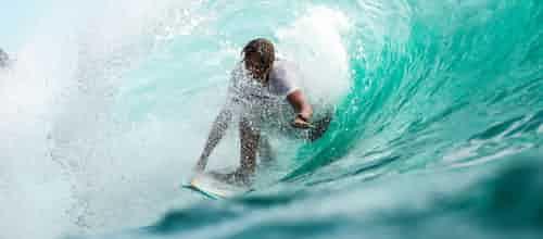גלישת גלים שיקומית לעיבוד של חוויות טראומה