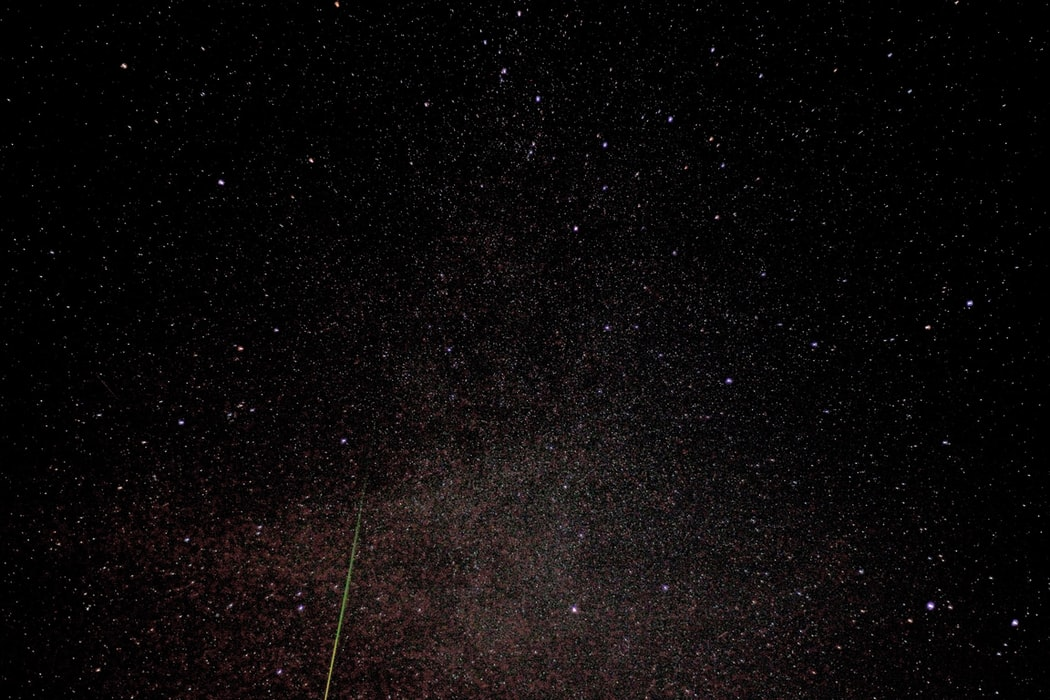 Звёздное небо и космос в картинках - Страница 12 Photo-1502733961013-f009f2f4057d?ixid=MnwxMjA3fDB8MHxwaG90by1wYWdlfHx8fGVufDB8fHx8&ixlib=rb-1.2