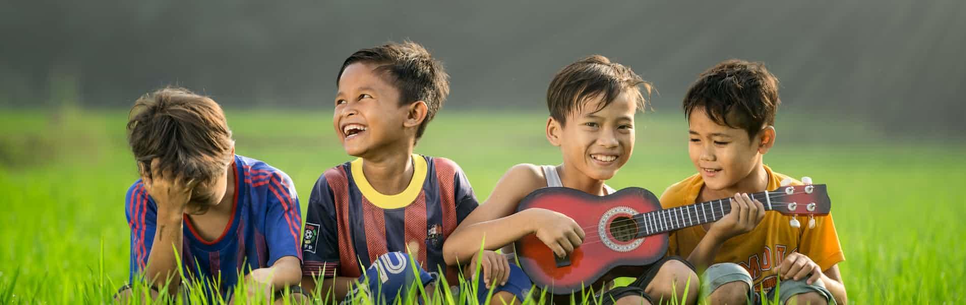 בגובה העיניים: טיפול בקבוצה לילדים ונוער