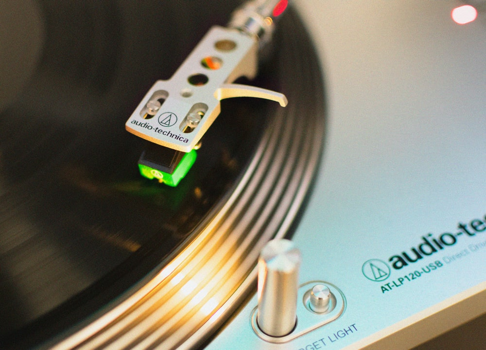 close up photo of DJ mixer