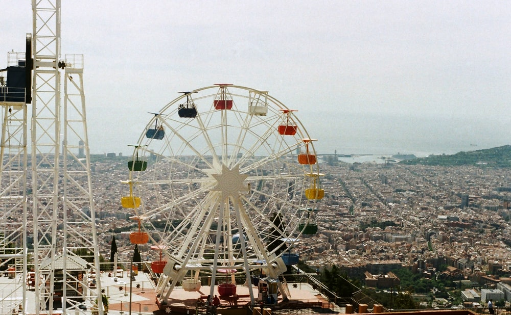 aerial photography of ferris wheel