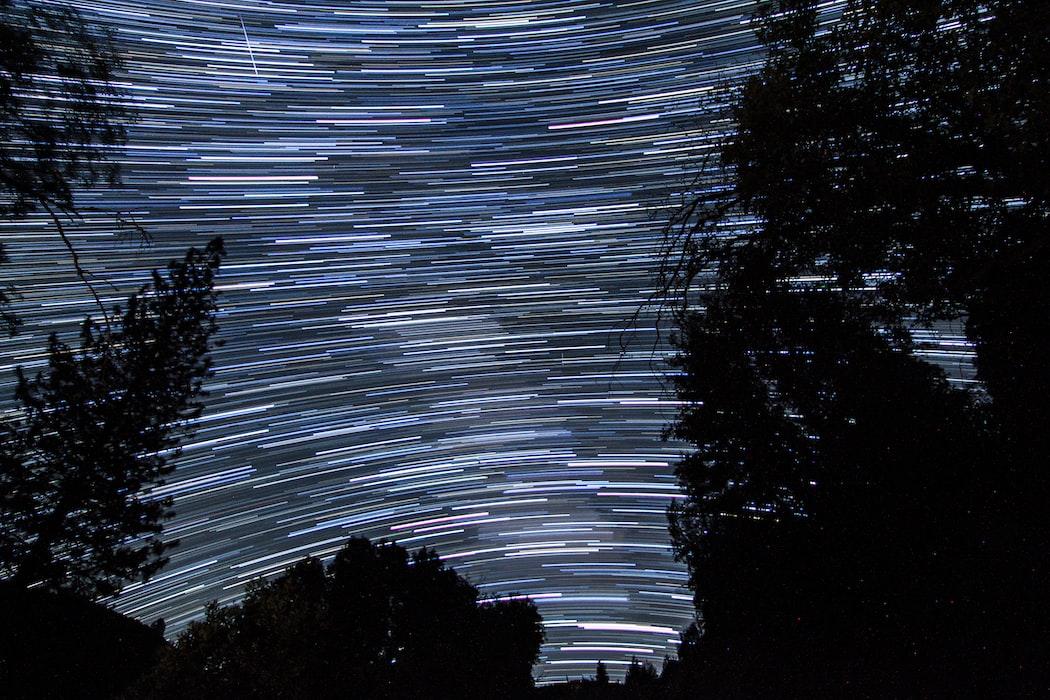 Звёздное небо и космос в картинках - Страница 3 Photo-1502904688542-1e3c30e120b4?ixlib=rb-1.2