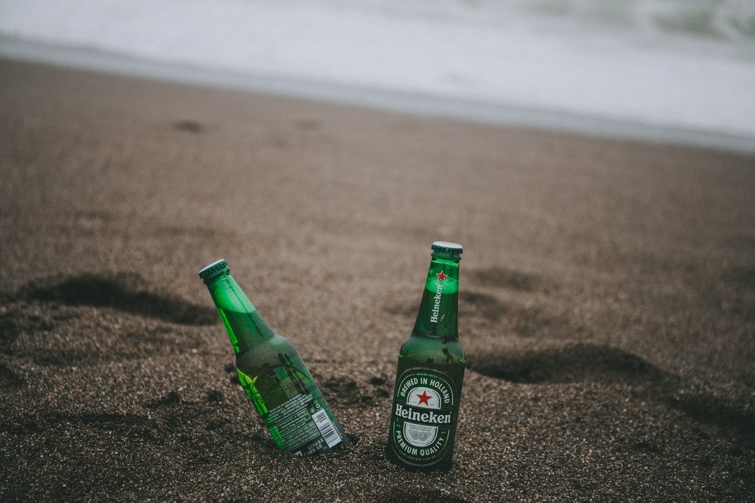 Who doesn't like to enjoy a chilled beer by the beach ;)