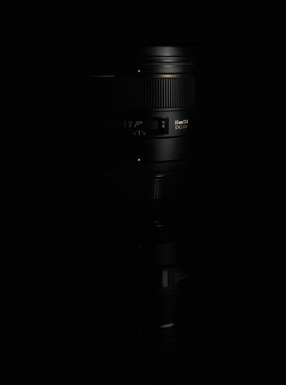 Camera Lens Black Background Pictures Download Free Images On Unsplash
