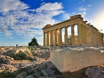 La Grecia contiene il virus, ma l'economia crollerà. Un'altra volta