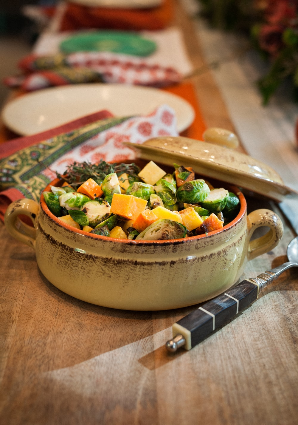 selective focus photography of vegetable dish in pot