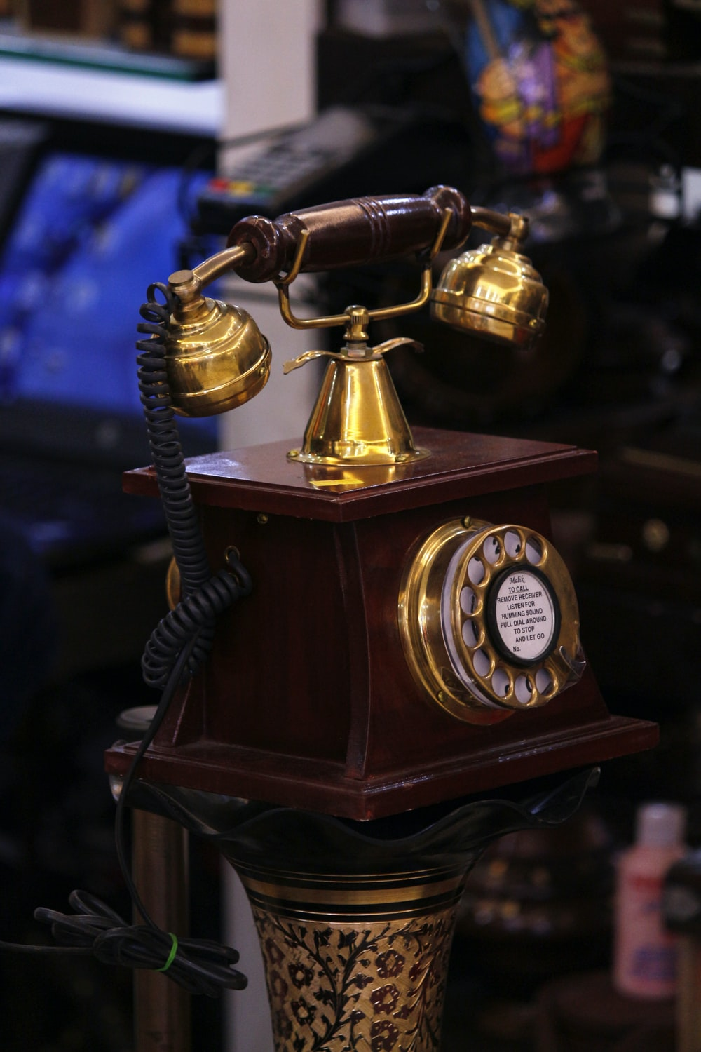 Antique Telephone | HD photo by Nandhu Kumar