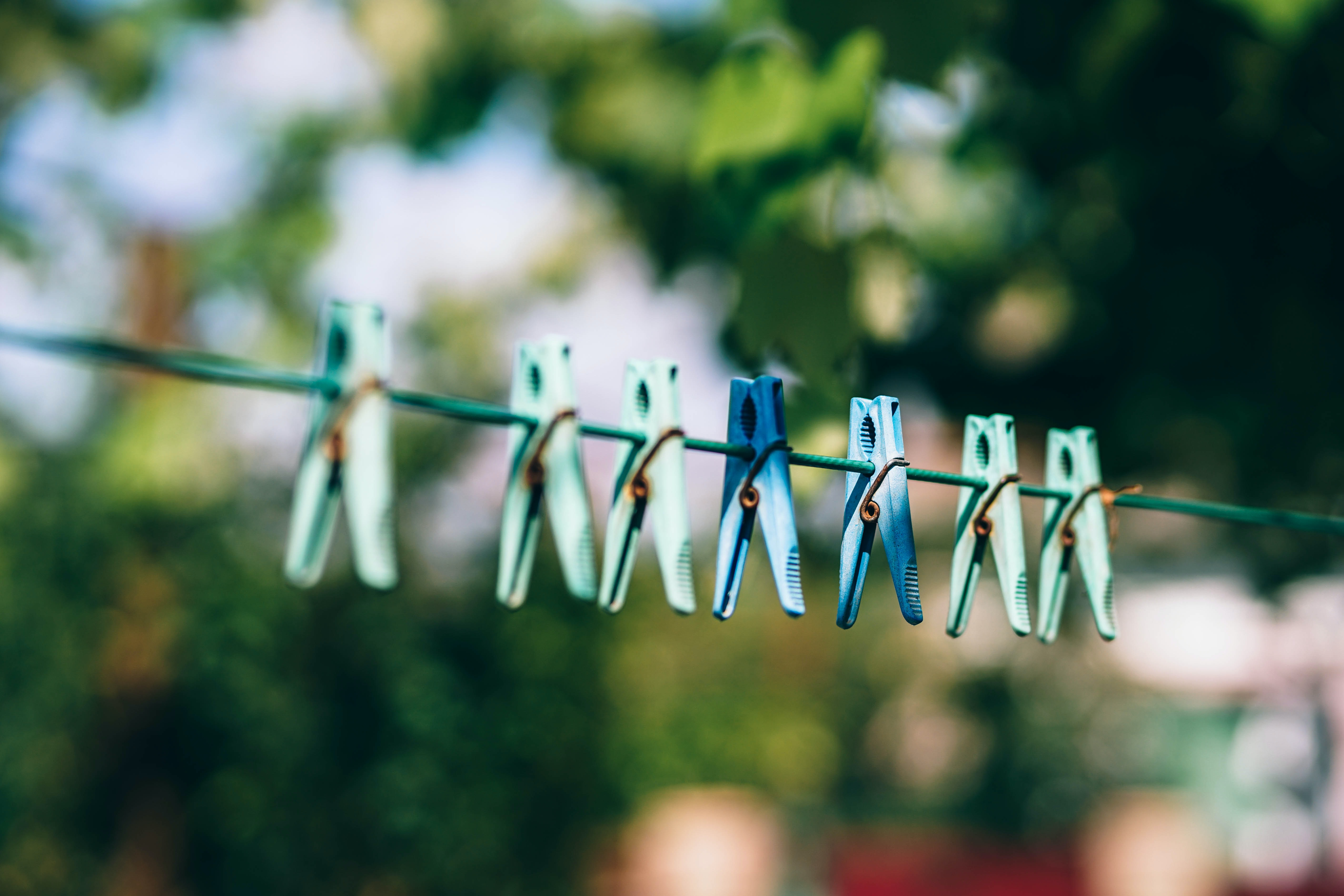 blue and green clothespins
